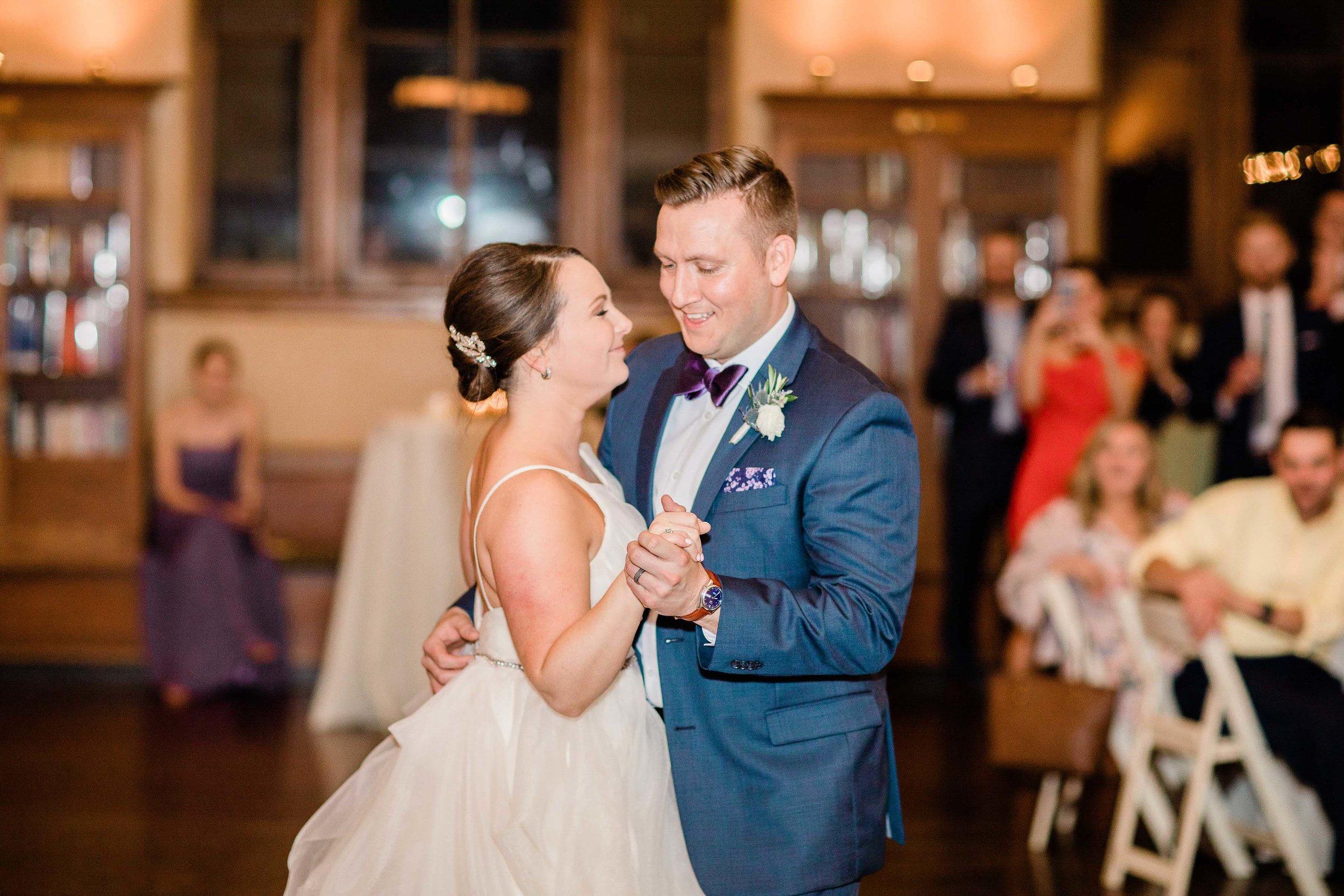 cincinnati wedding photographer carnegie center (5 of 12).jpg