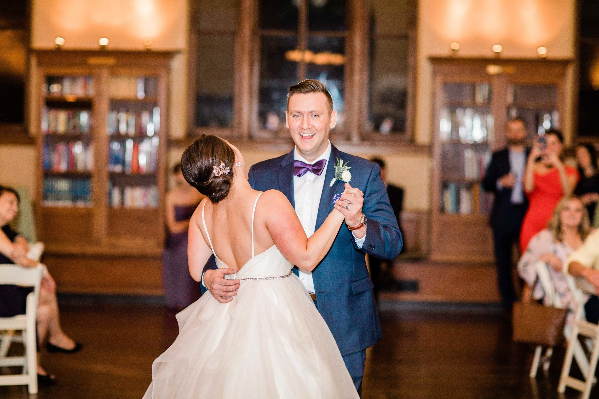 cincinnati wedding photographer carnegie center (6 of 12).jpg