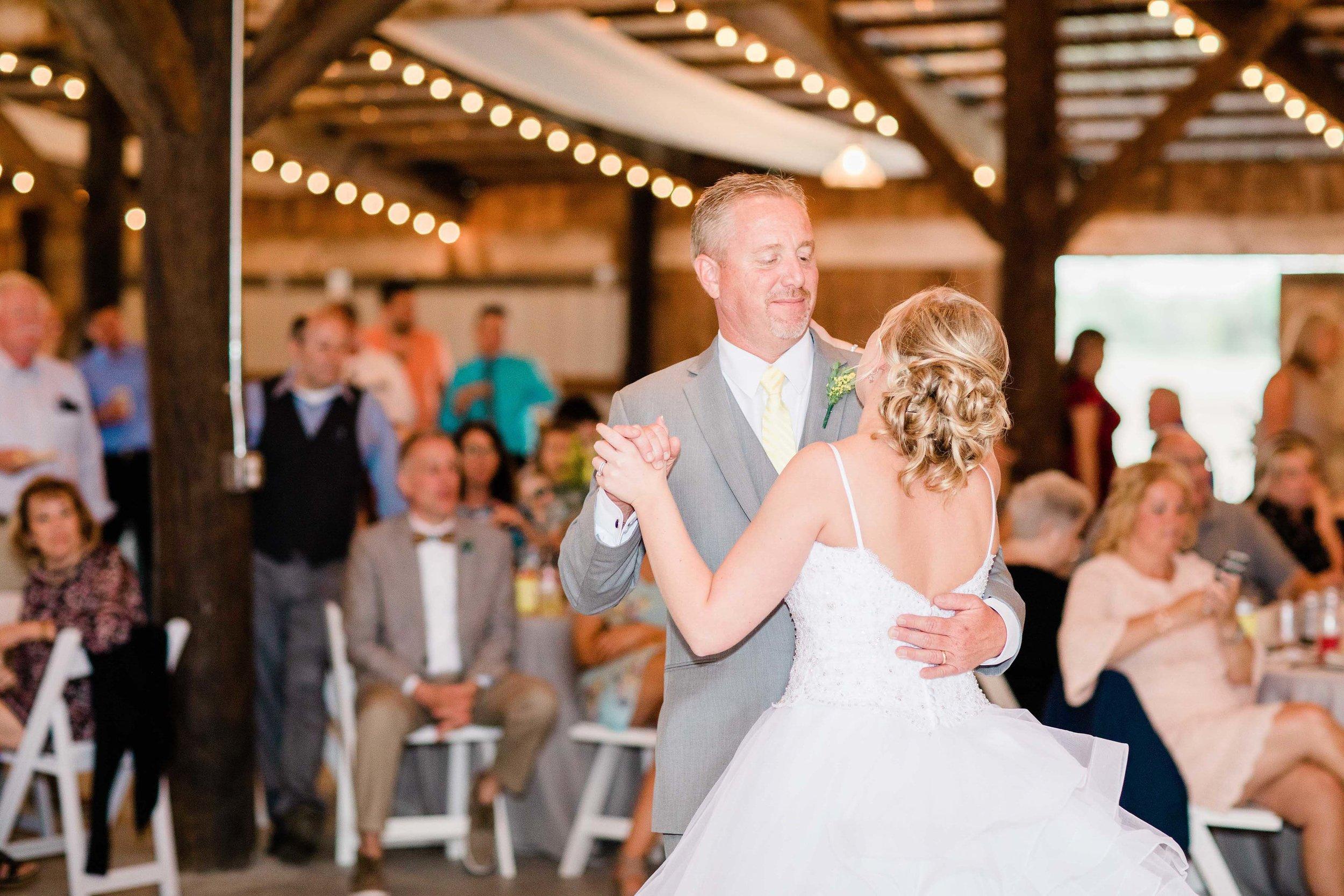r buckeye barn southwest ohio wedding photographer-6.jpg