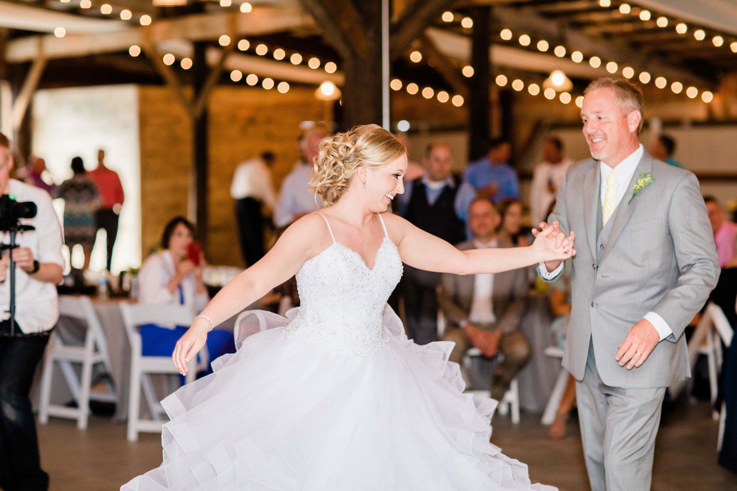 r buckeye barn southwest ohio wedding photographer-7.jpg