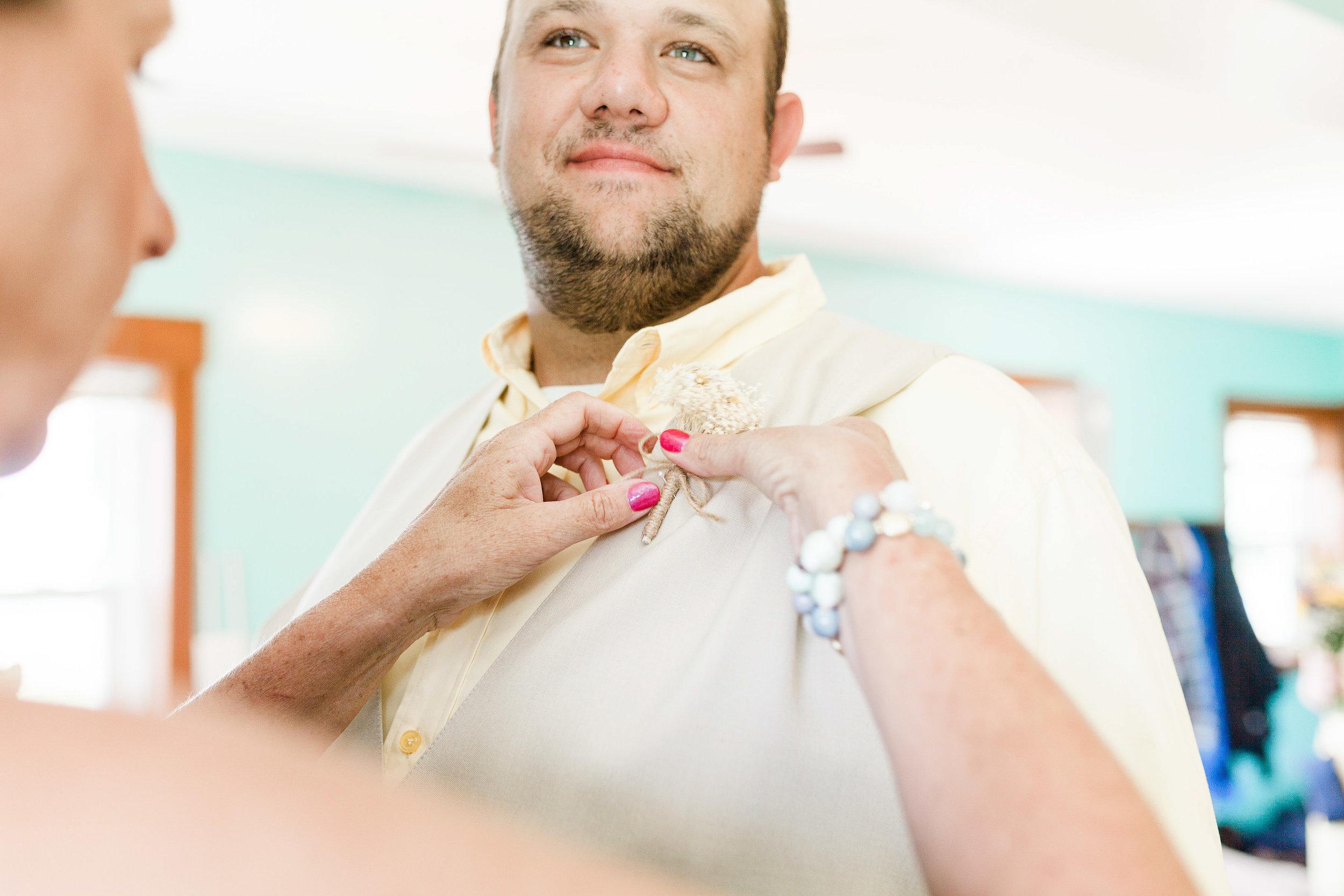 barn wedding blanchester ohio photographer-5.jpg