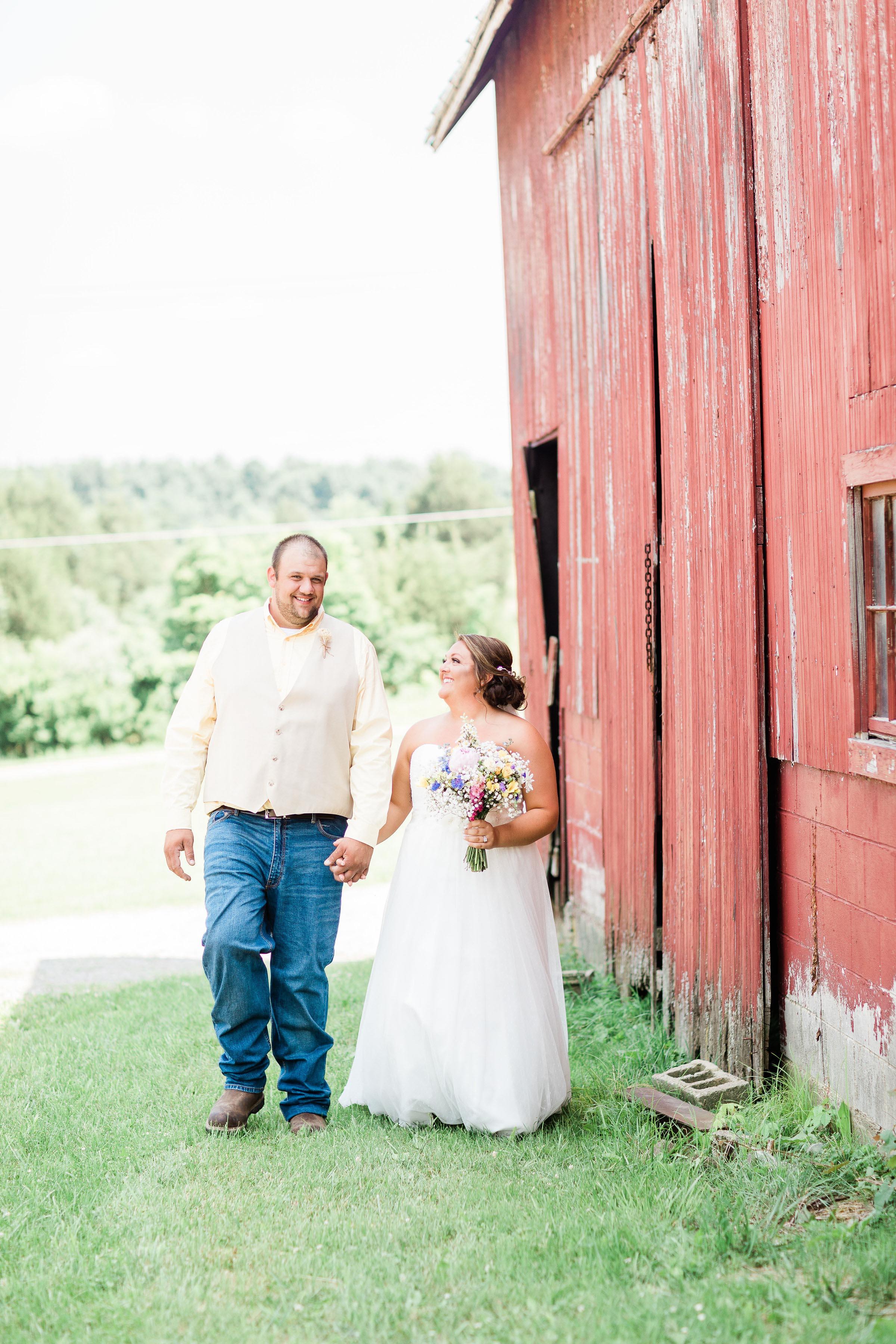 barn wedding blanchester ohio photographer-7.jpg