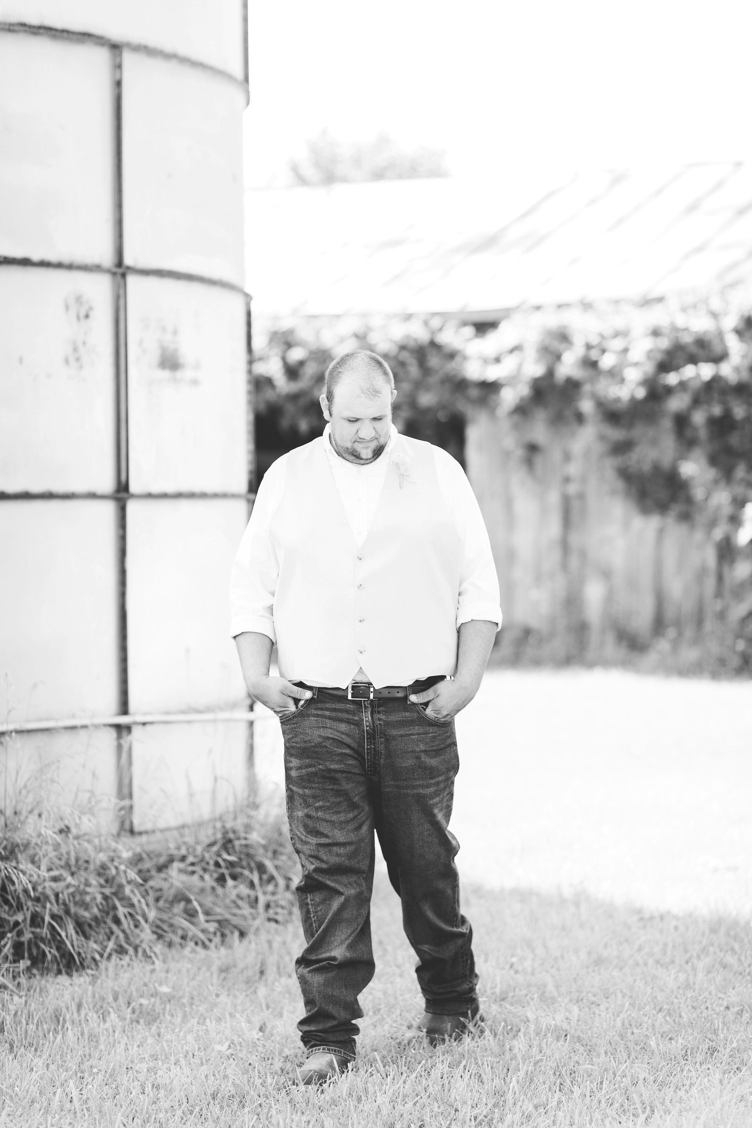 barn wedding blanchester ohio photographer-14.jpg