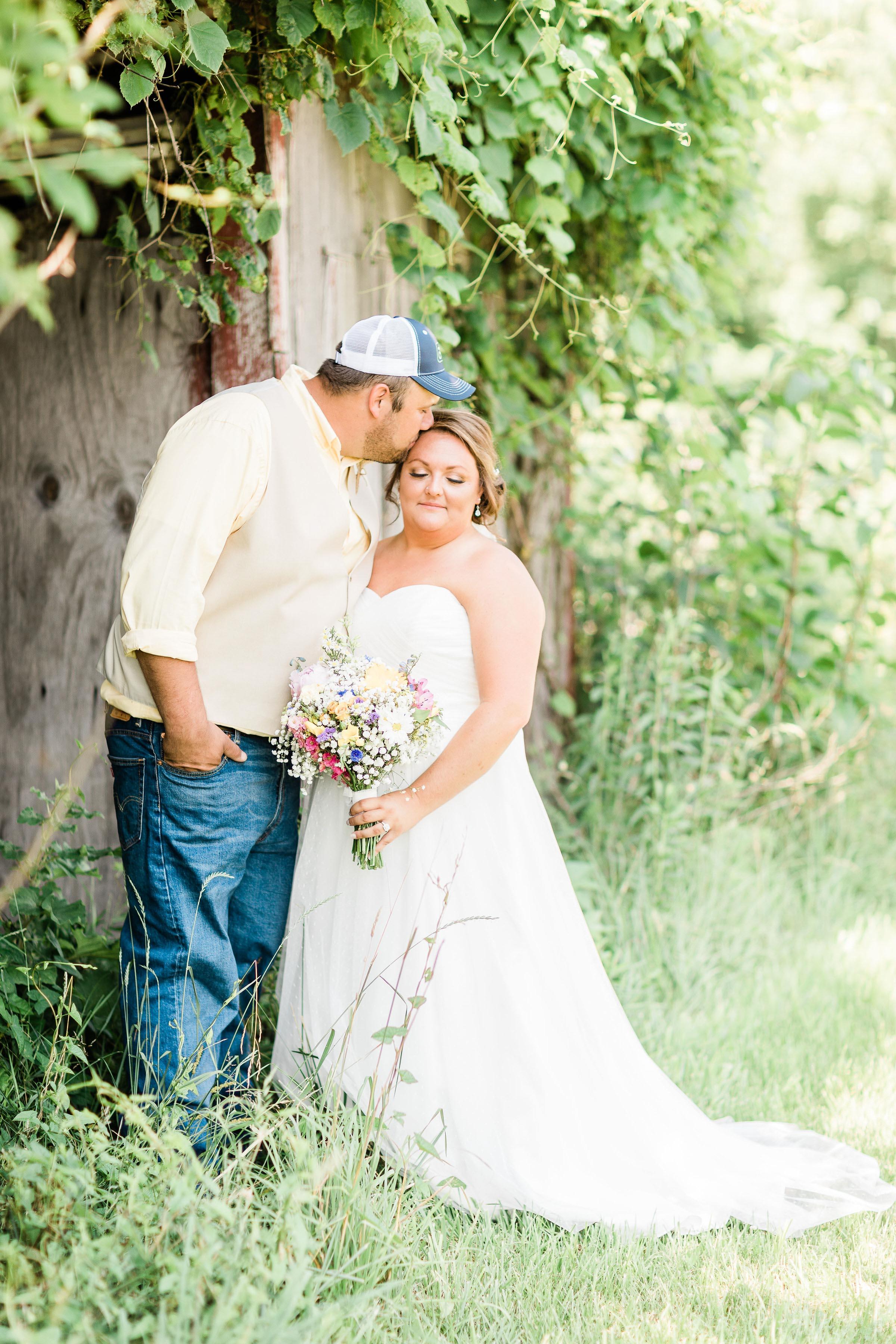 barn wedding blanchester ohio photographer-16.jpg