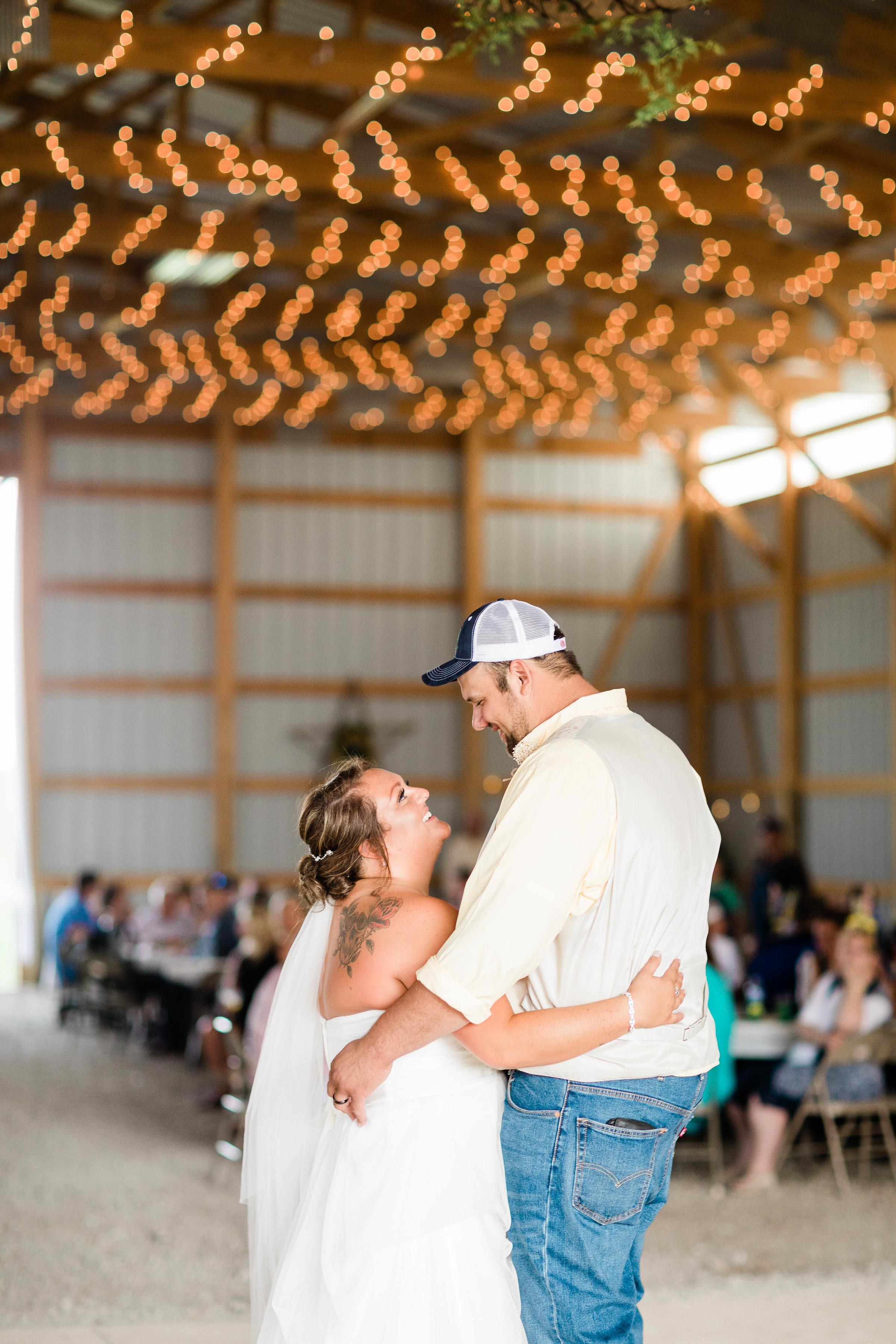 barn wedding blanchester ohio photographer-32.jpg