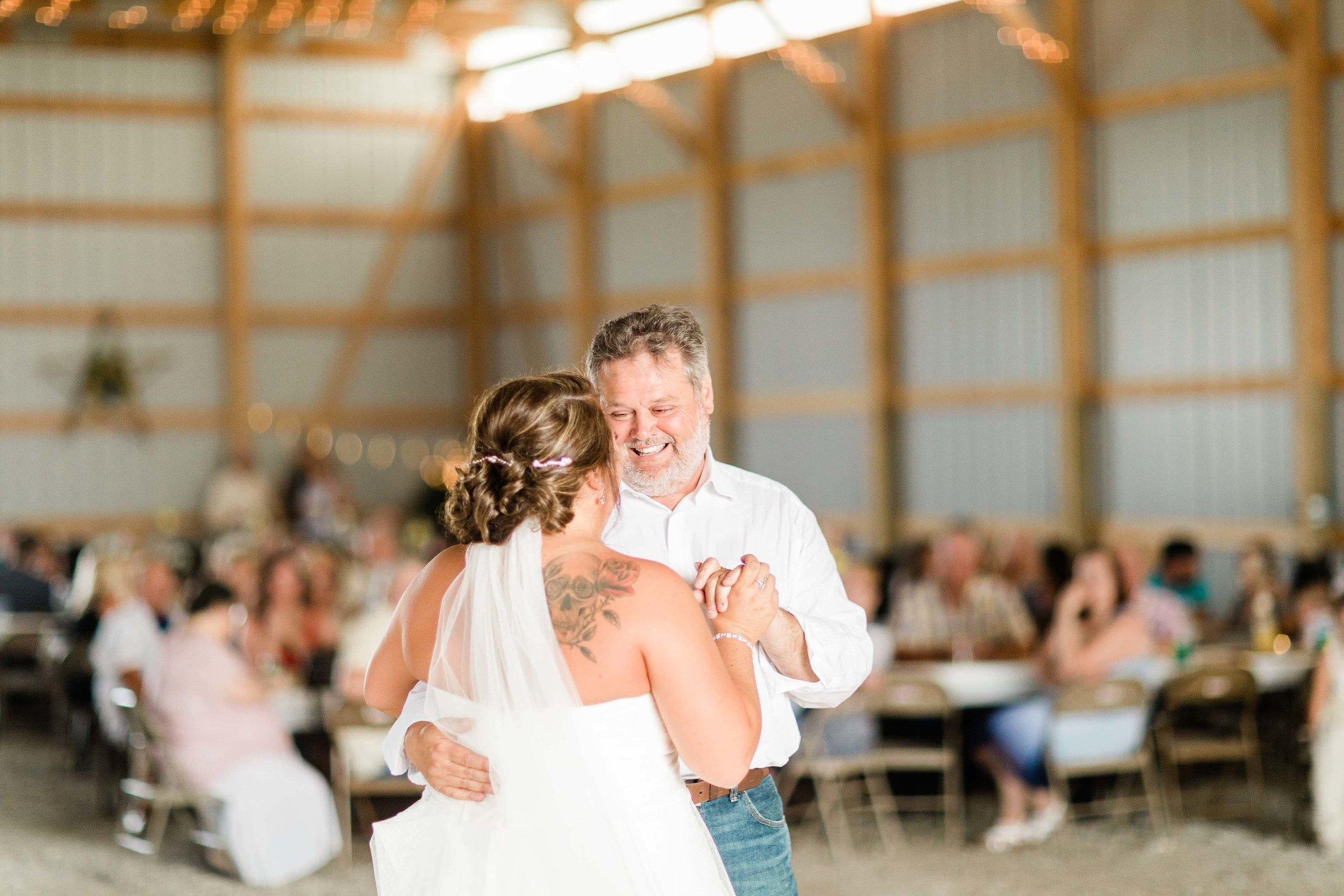 barn wedding blanchester ohio photographer-33.jpg
