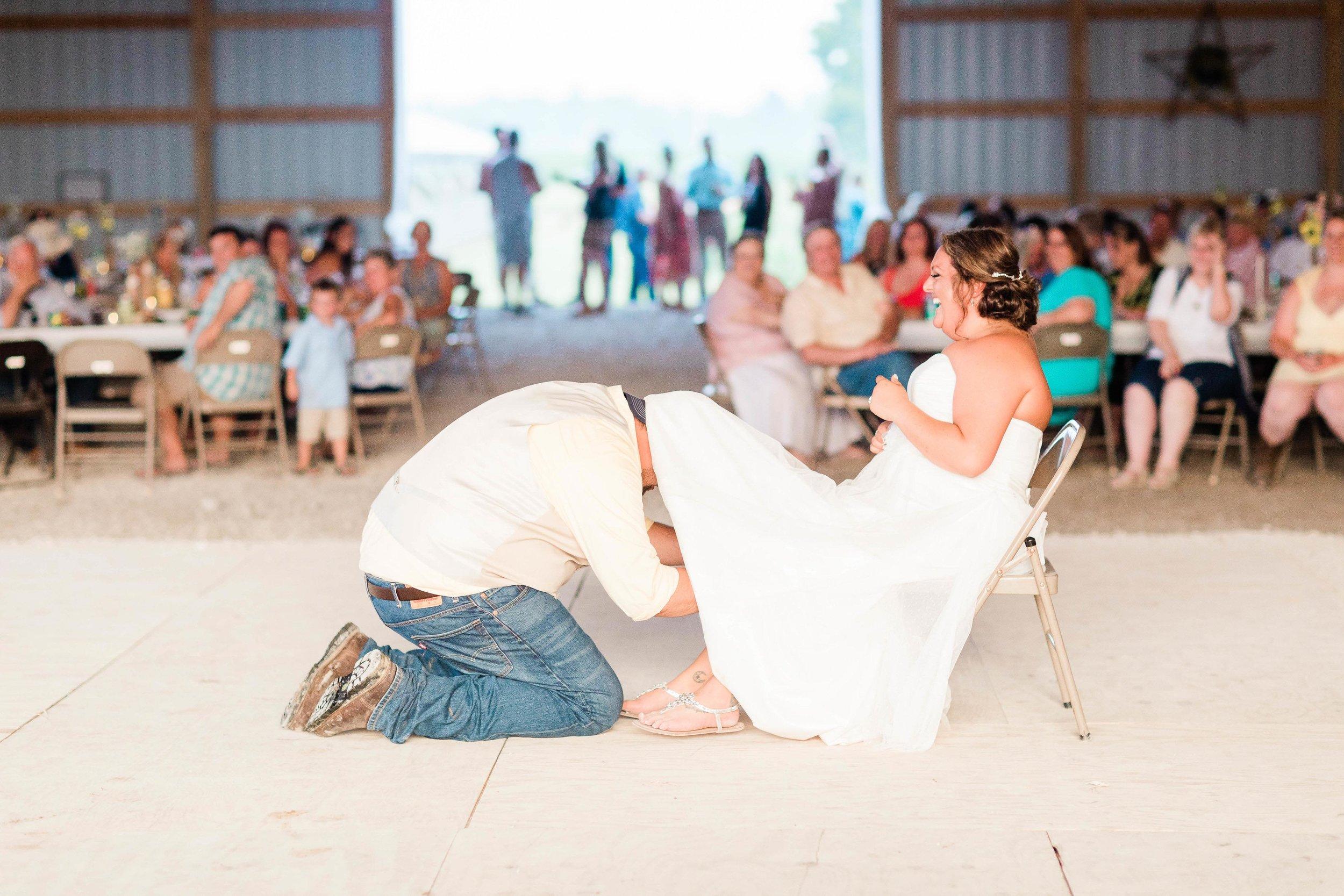 barn wedding blanchester ohio photographer-42.jpg