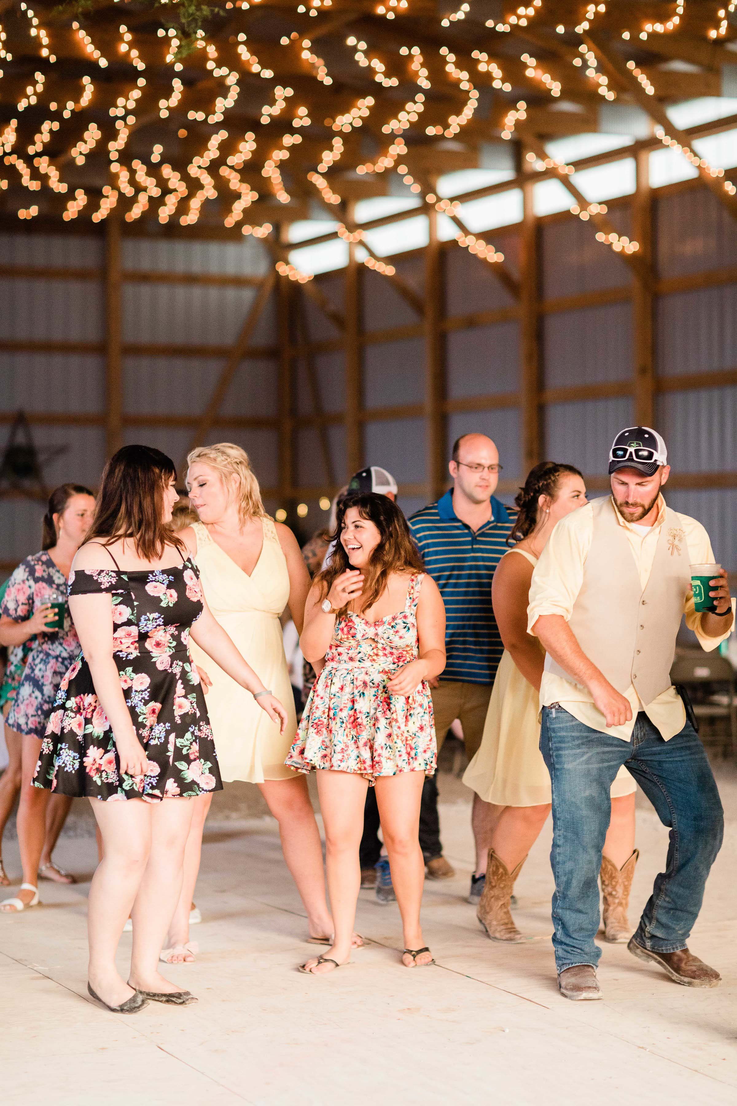 barn wedding blanchester ohio photographer-43.jpg