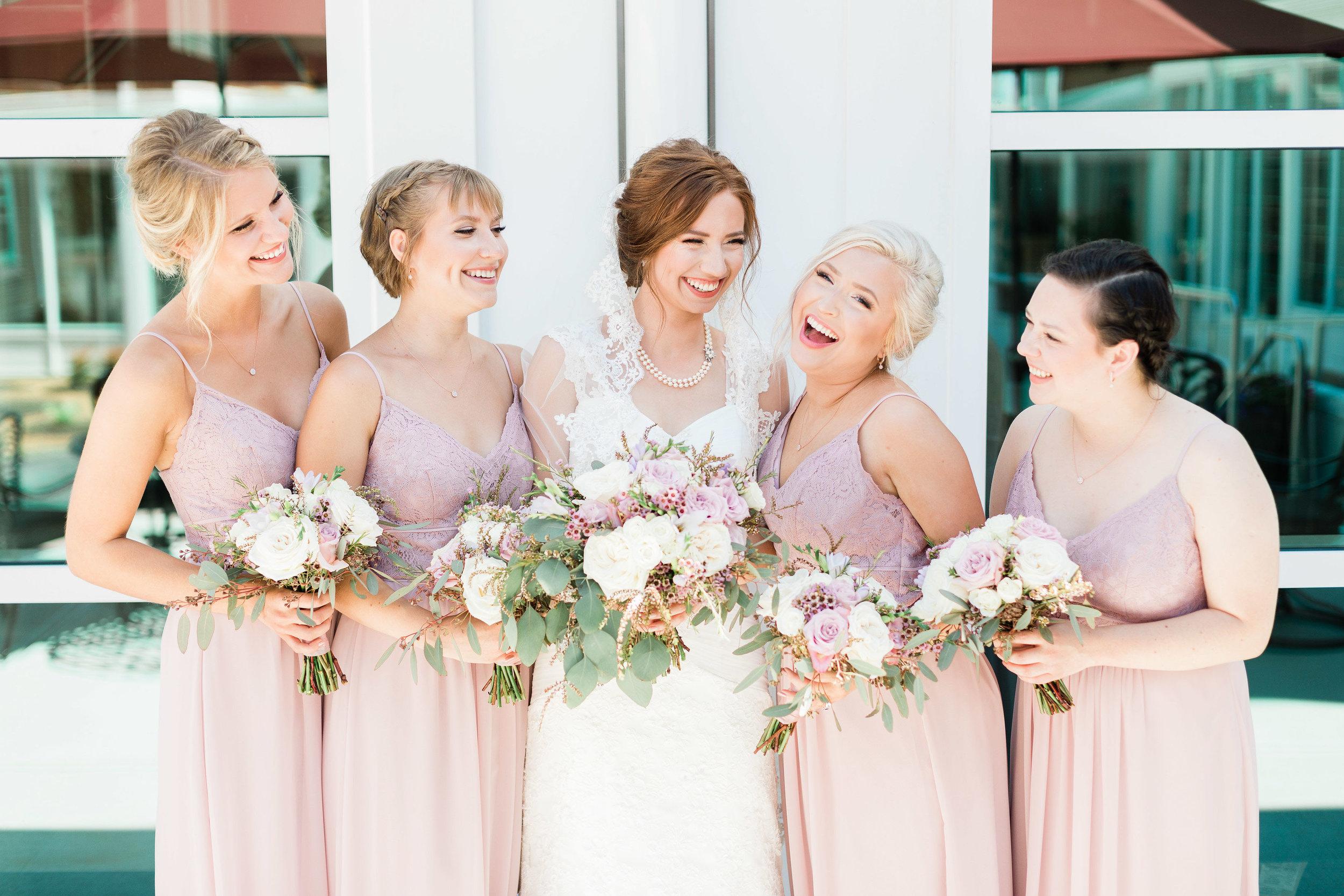 lauren day photography cincinnati wedding photographer bridal party pictures-2.jpg