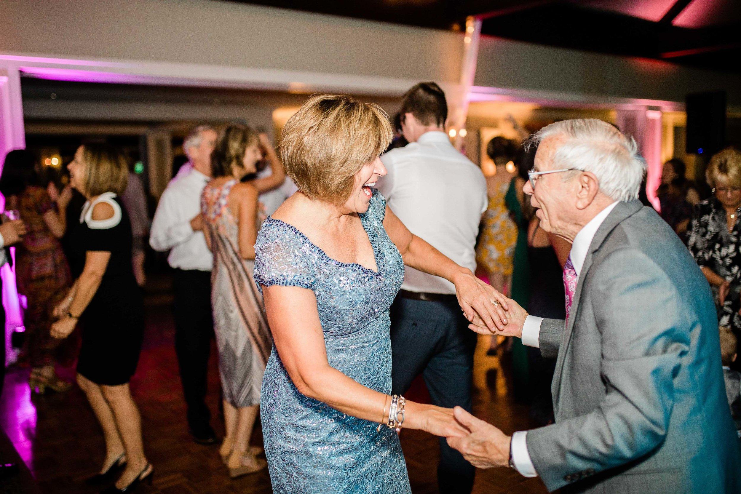 cincinnati wedding photographers wetherington golf club wedding-12.jpg