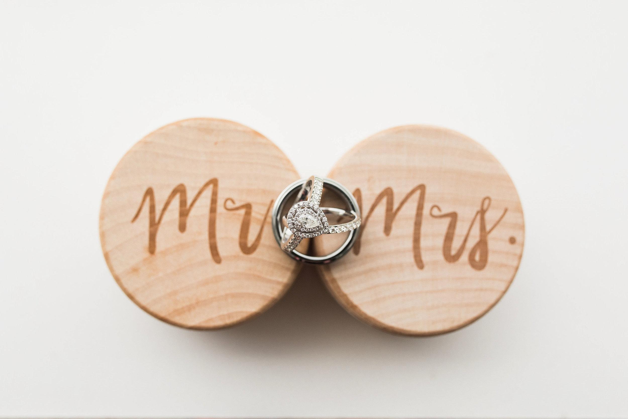dayton ohio engagement and wedding photographers-2.jpg