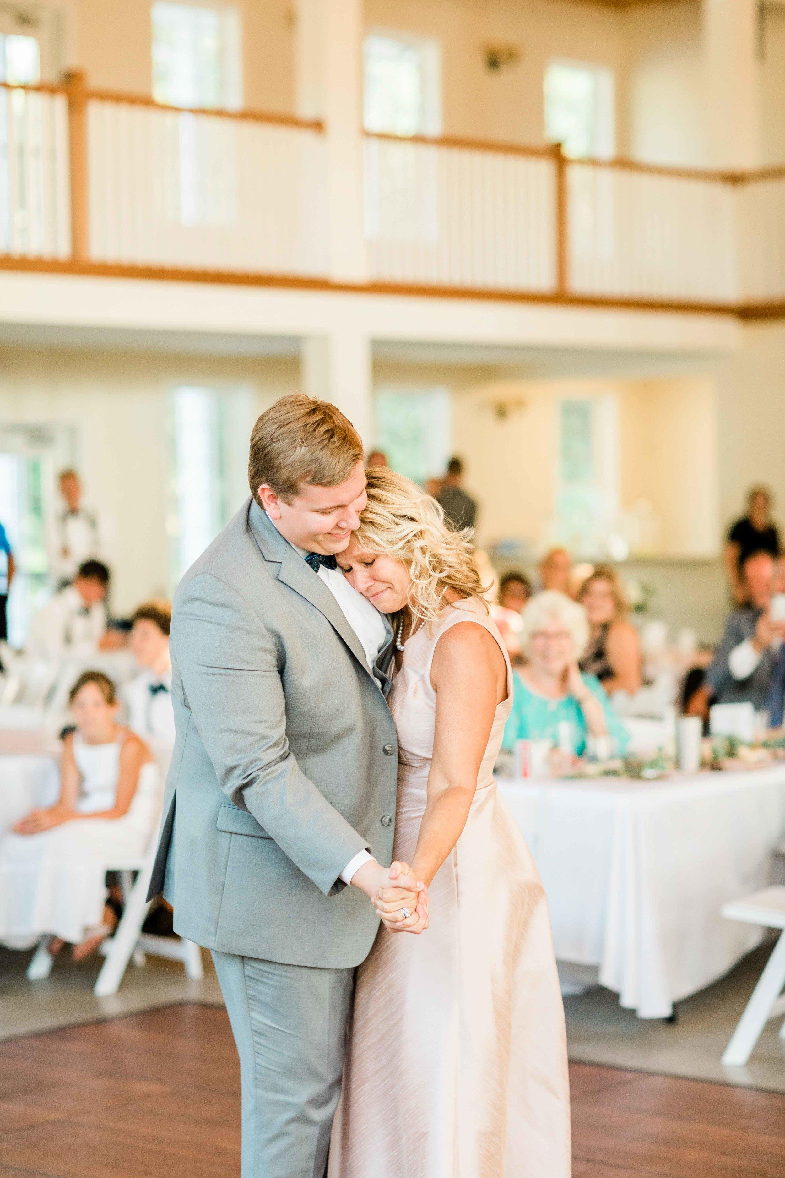 rosewood manor miamisburg wedding photos-6.jpg