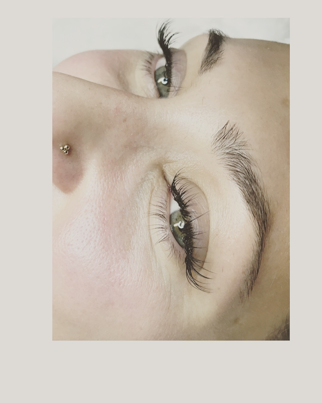 Classic lash application with cat-eye flare by Krystal