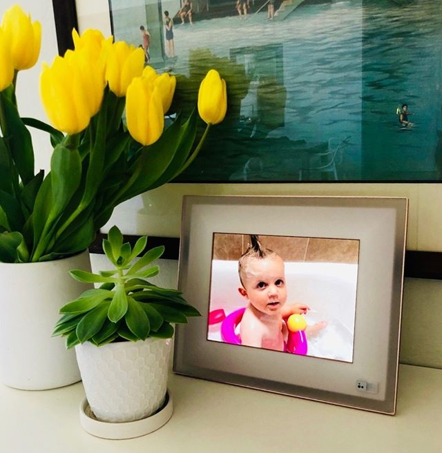 The Aura frame bringing me so much joy again. Pictures like these need to be seen, friends. An instant mood-lifter for the whole family. What's your wish for Mother's Day? Make it one of these.⠀⠀⠀⠀⠀⠀⠀⠀⠀ ⠀⠀⠀⠀⠀⠀⠀⠀⠀ ⠀⠀⠀⠀⠀⠀⠀⠀⠀ Sent via @planoly #planoly #organize #simplify #tipsandtricks #habits #change #lessismore #professionalorganizer #organizedhome #organizedlife #organizing #declutter #getorganized #motivation #empowerment #inspiration #change #women #selflove #entrepreneur #empower #love #inspire