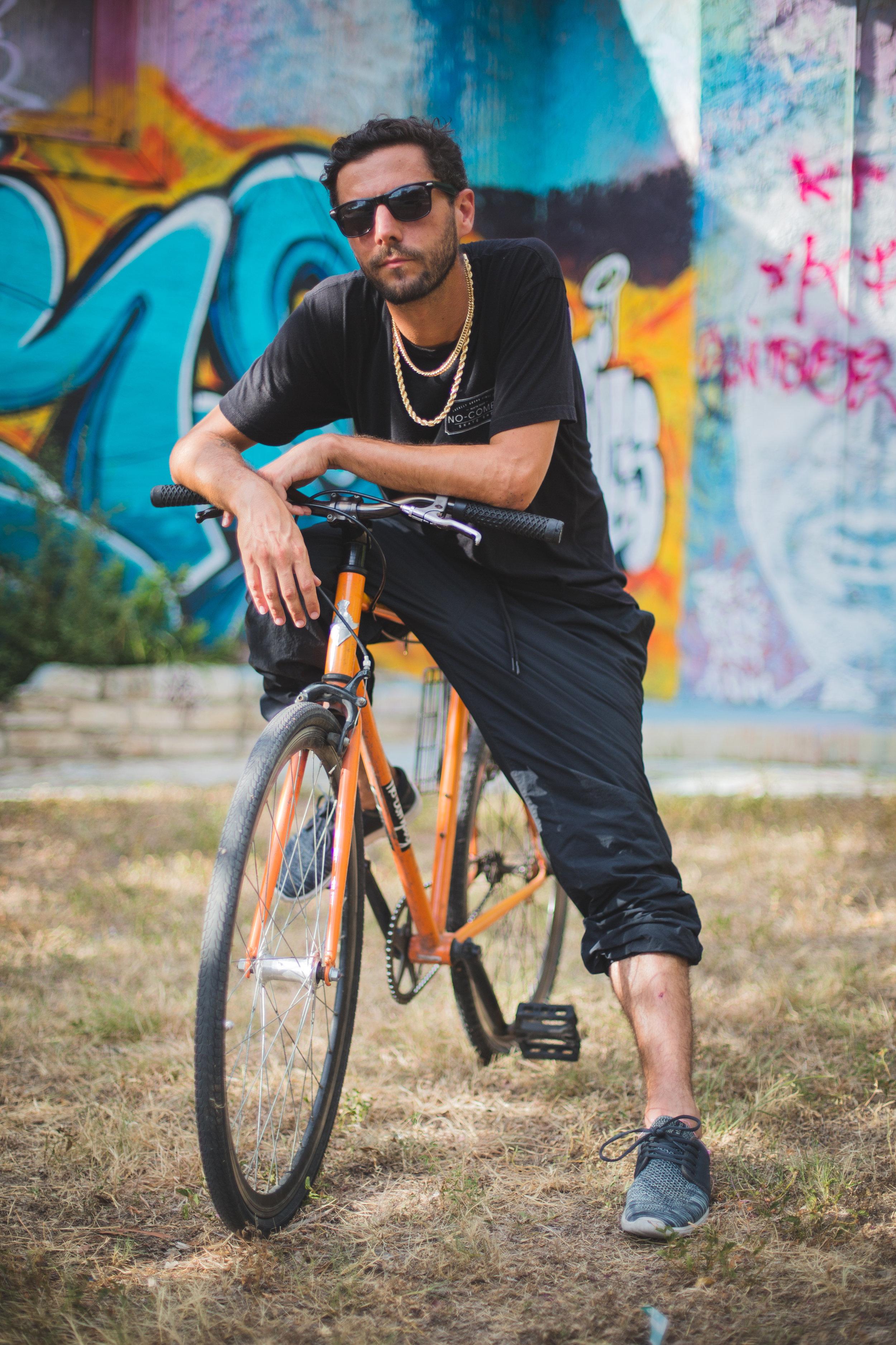 Drew Pickell on his bike-4428.jpg