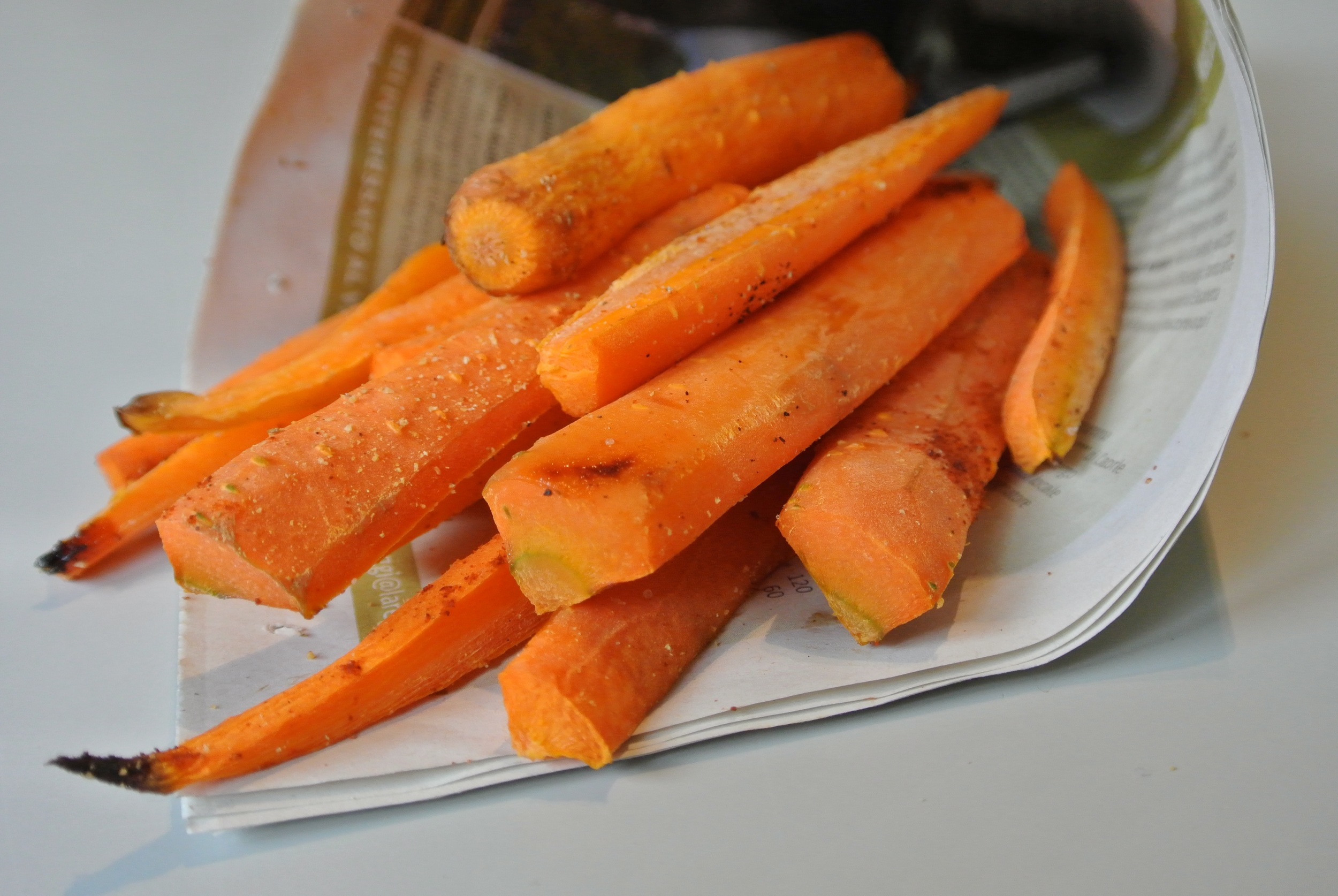Easy-healthy-baked-carrot-fries-recipe-pumpup-blog-1.jpg