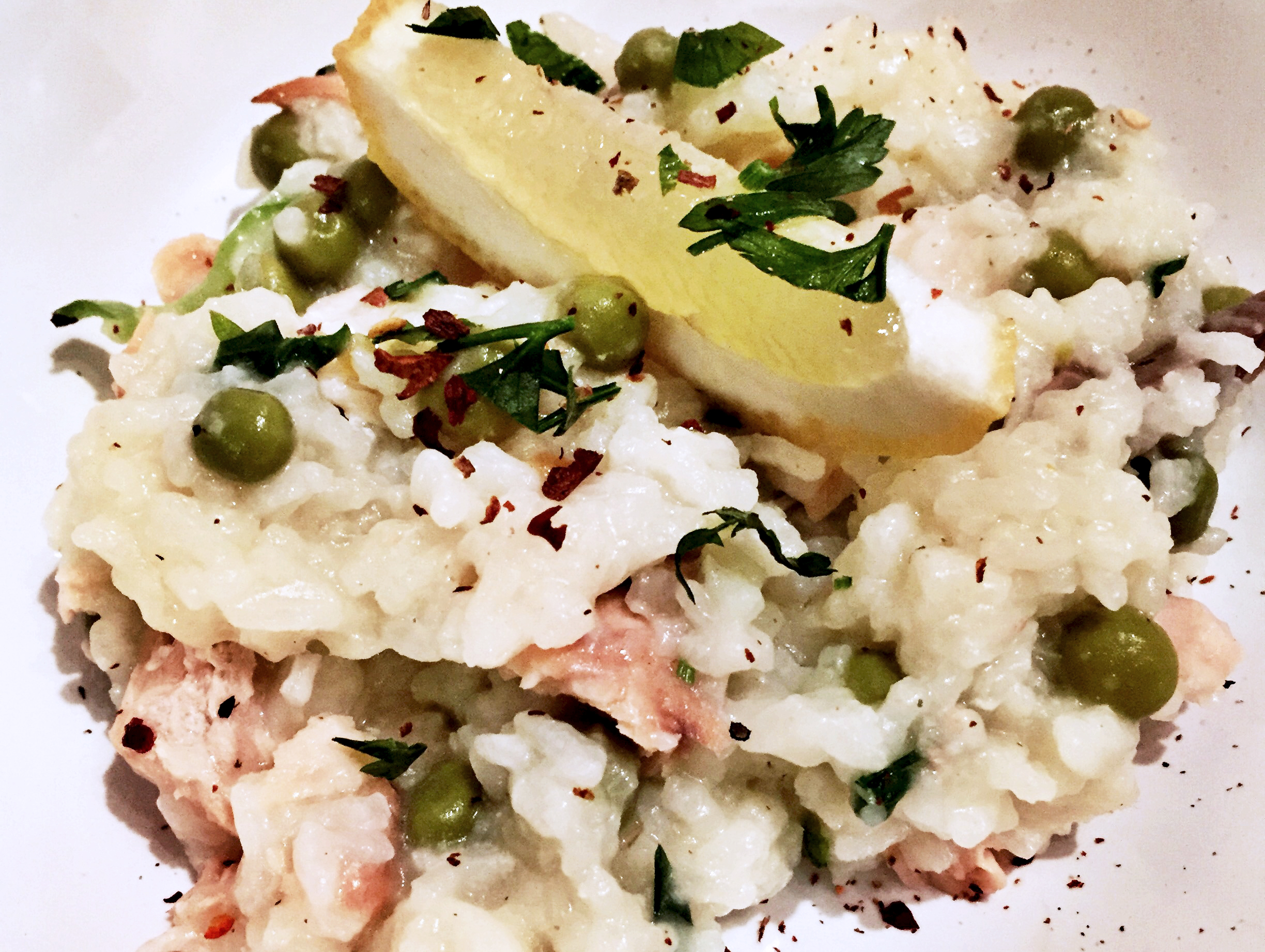 Healthy-salmon-and-peas-risotto.jpg