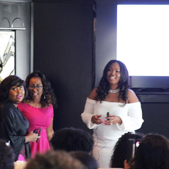 Women with ambition run their business, not their mouth! 💖👑 #NursePowerBrunch @thebrandingnurse @kianicolestyle