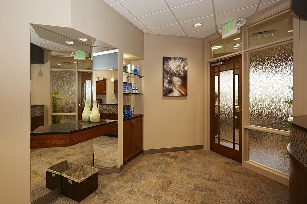 ELLIS-DENTAL-RECEPTION-MIRROR.jpg