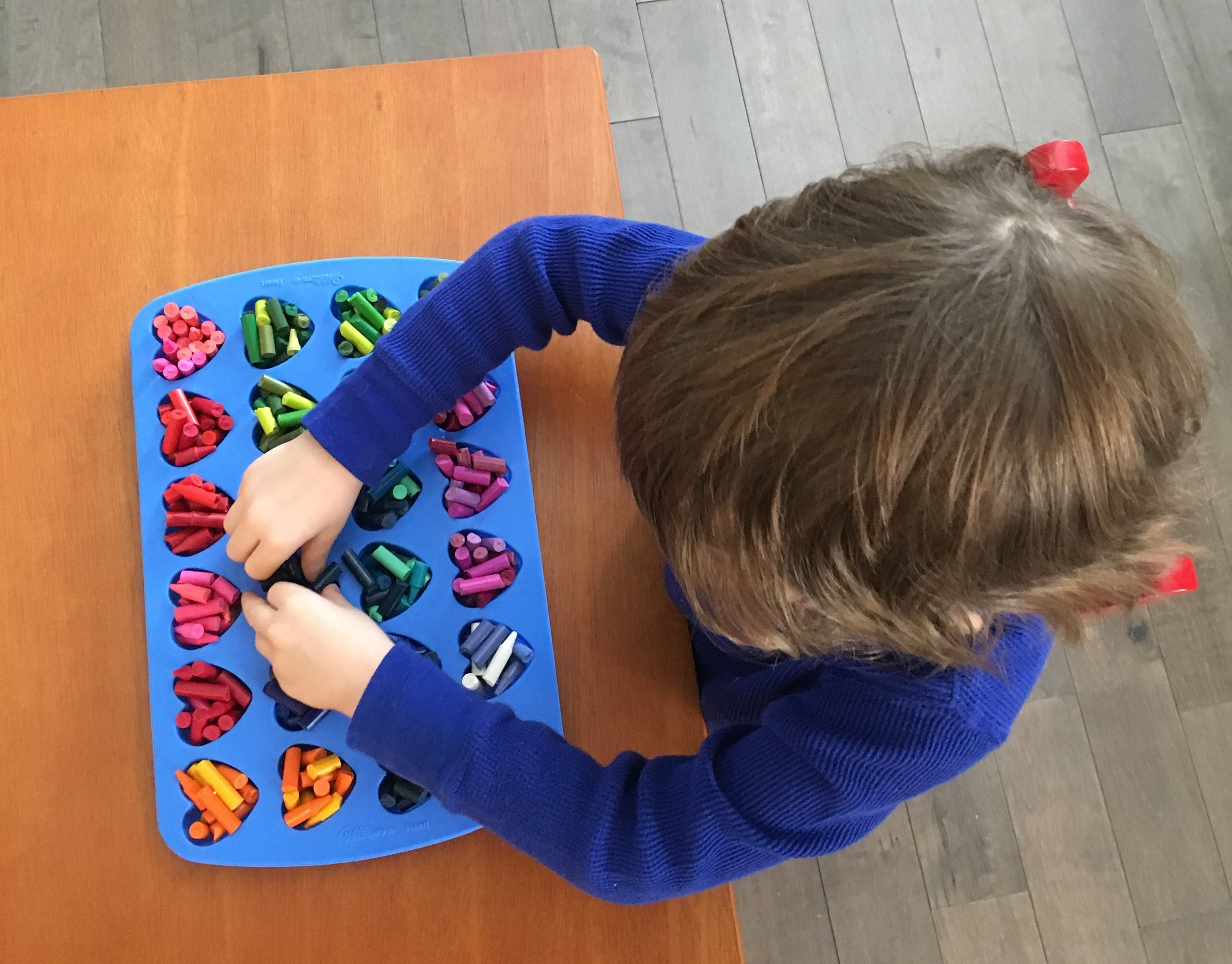Valentine's Day Crayon Craft - OhSoFancyParty.com