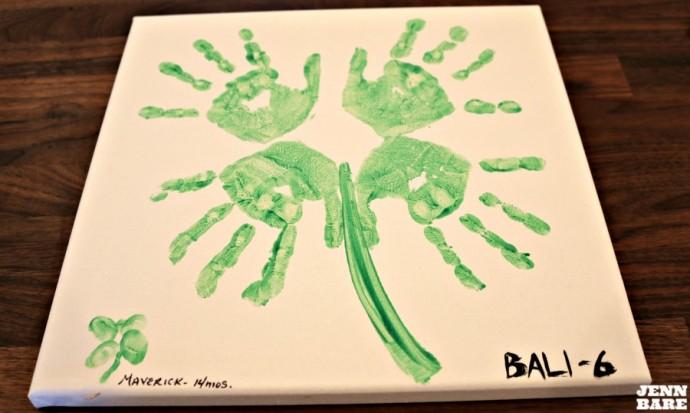 jennbare.com - diy-handprint-shamrock-art/