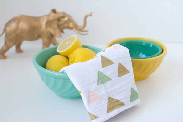 http://lovelyindeed.com/diy-stenciled-tea-towels/