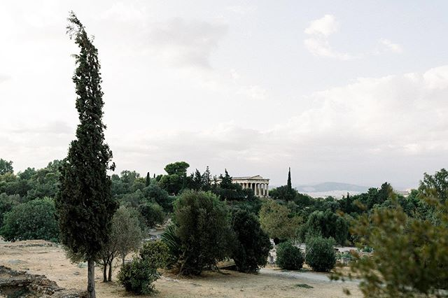 Temple of Hephaestus, patron god of metal working, craftsmanship, and fire. 🔥🔥🔥 View from the top of the Roman Agora.