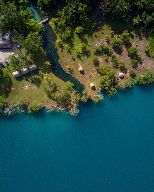Xul-ha donde comienza la laguna de bacalar, ya vamos rumbo a Guatemala City🌴 @lisandro_musso @aron_phto #xulha #mexico #bacalar #quintanaroo #lagoon #laguna #caribemexicano #travel #enjoy #dream #dreamer #dreaming #dji #mavic #mavicpro #drone #dron #drontagram #iwant #caribe #inspiracion #inspiration #pueblomagico #motivacion #motivation