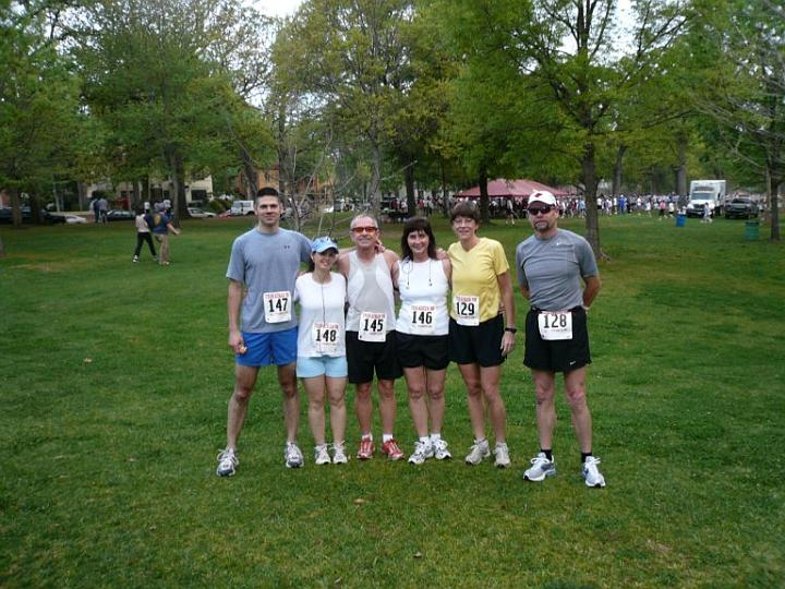 Shawn (left), Shannon, Richard, Sandi, Mary, and Steve (right) at the Tyler Azalea 10K (2007-03-24)