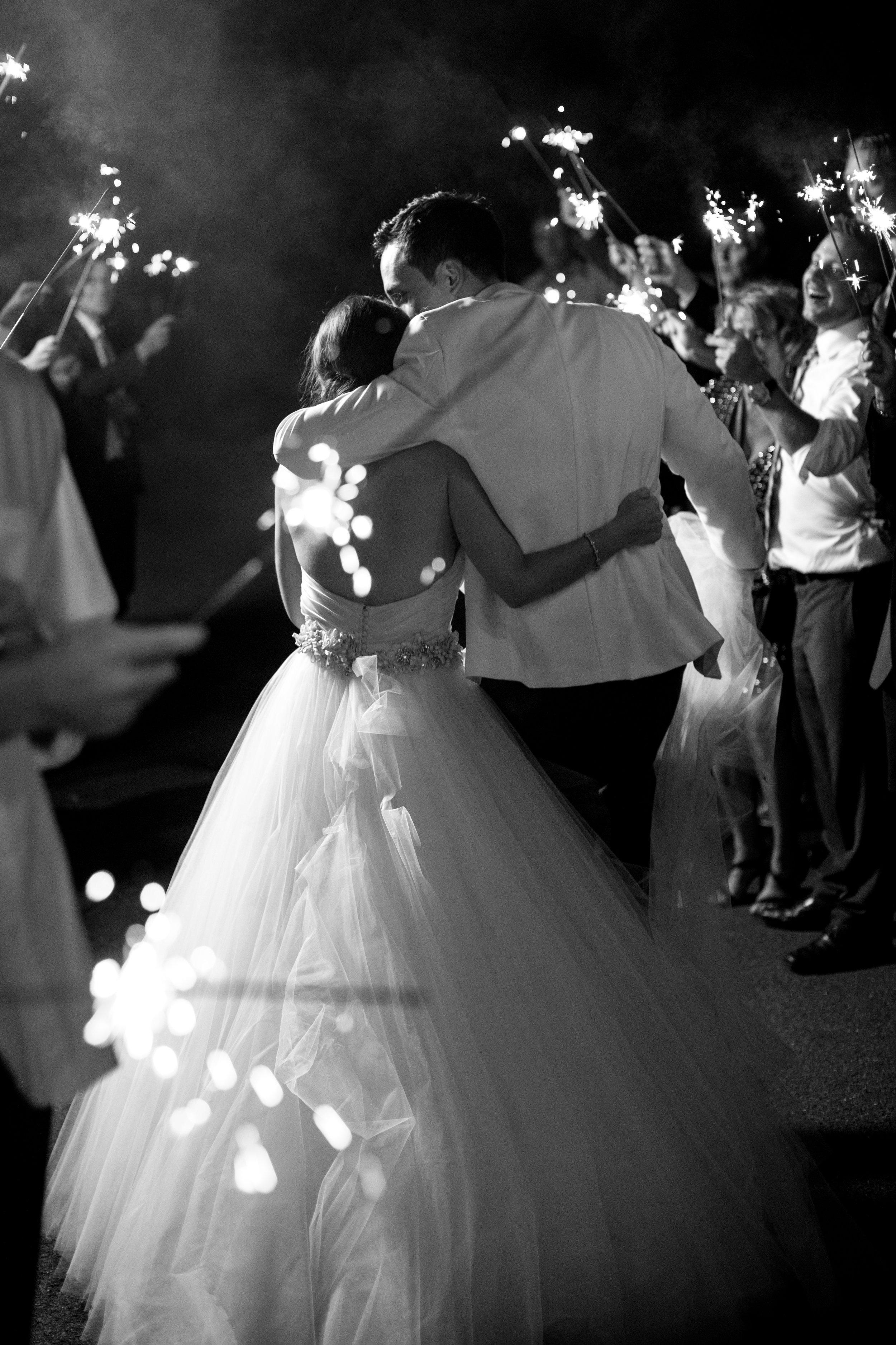 new england coastal wedding with pink flowers liz and ryan photoraphy