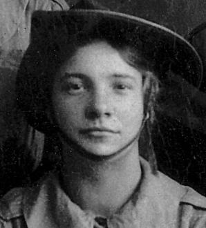 Lily (Kempson) McAlerney, Aug. 1914, Belfast.