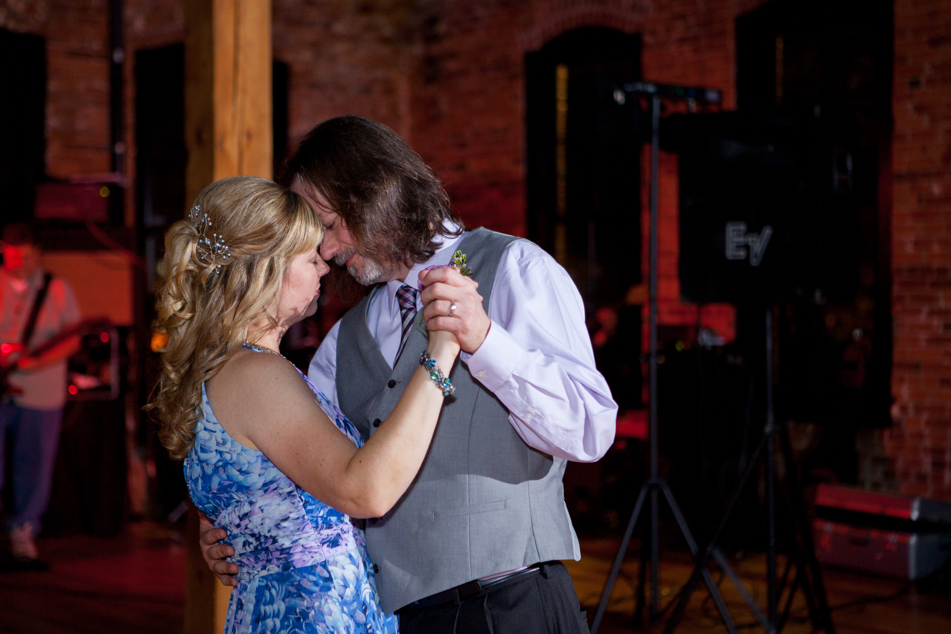 peoria wedding grandview drive trefzgers mod cloth trailside event center peoria heights-52.jpg