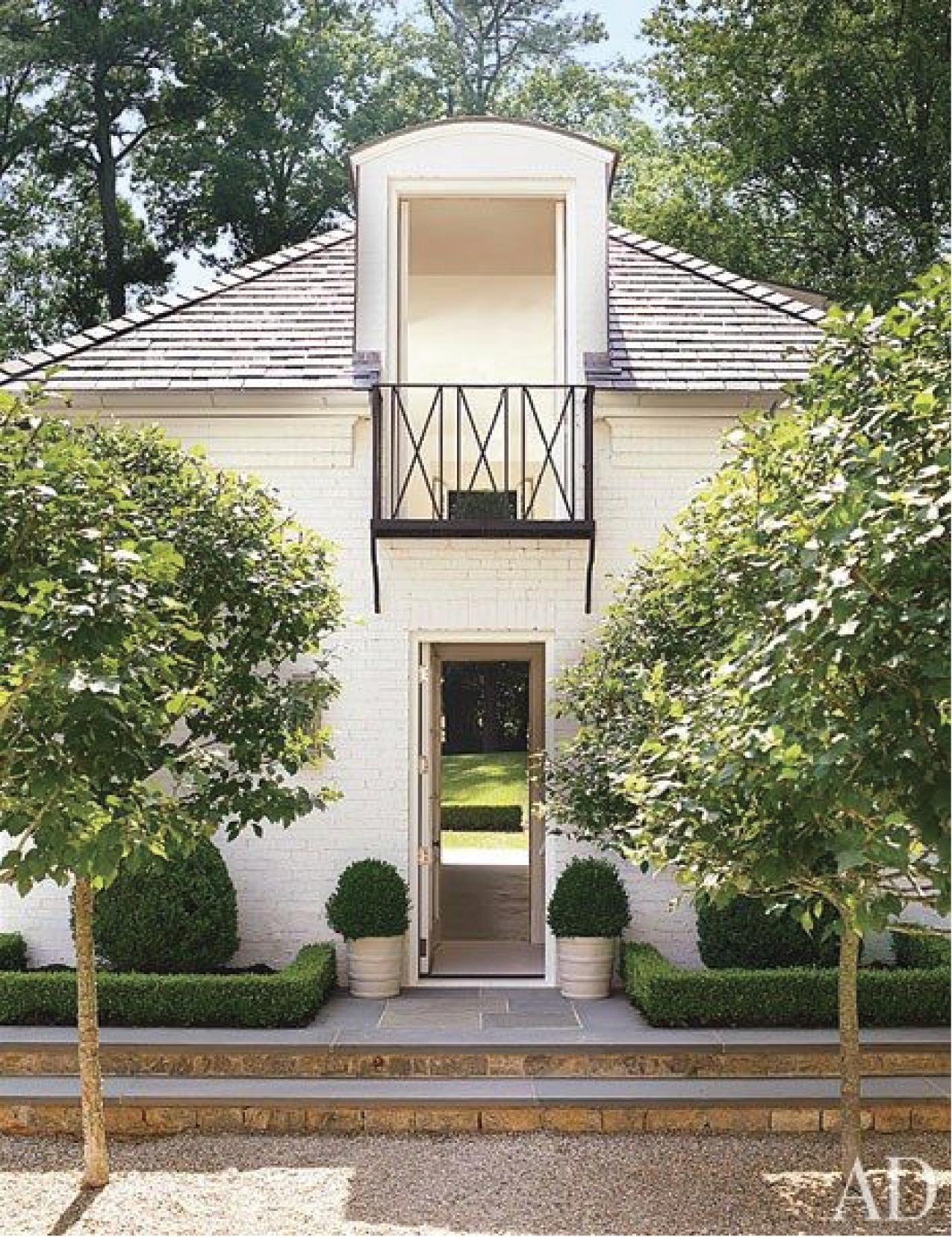 Design:  Suzanne Kasler  via  Architectural Digest