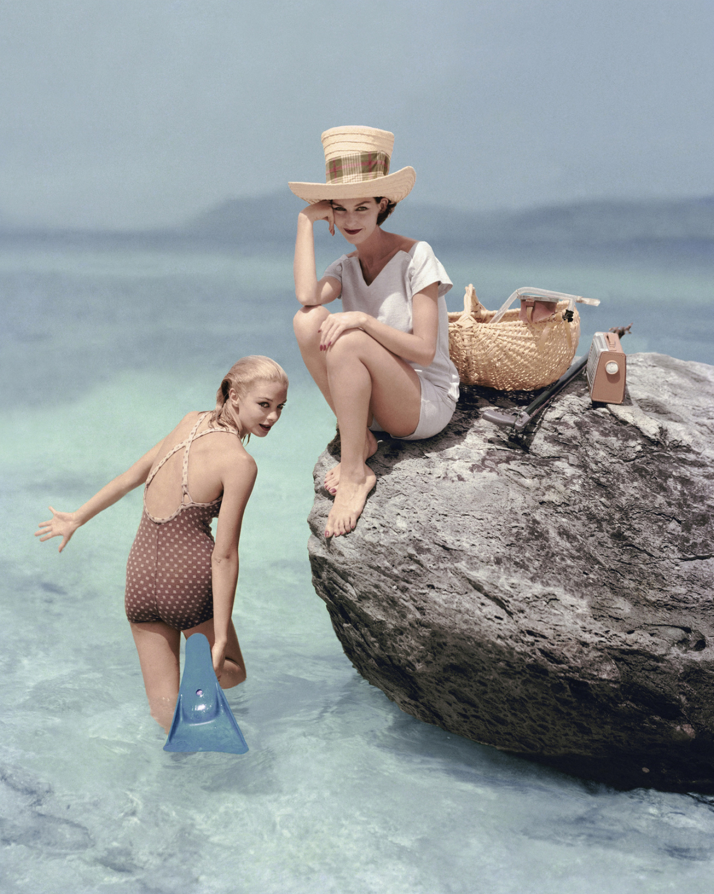 richard rutledge for vogue  reminds us of one of our other photography favorites,  slim Aarons . we have our eyes on this  print!