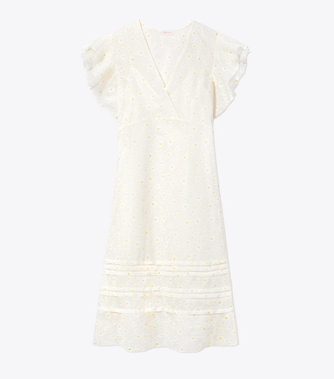 this feminine  daisy dress  is a must have for spring