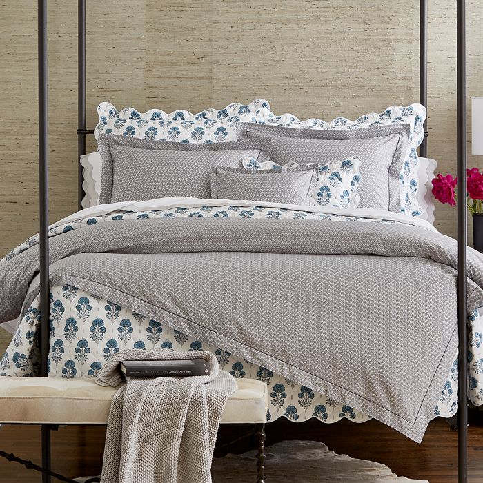 looking for pattern? we love this Indian inspired  vibrant print bedding !