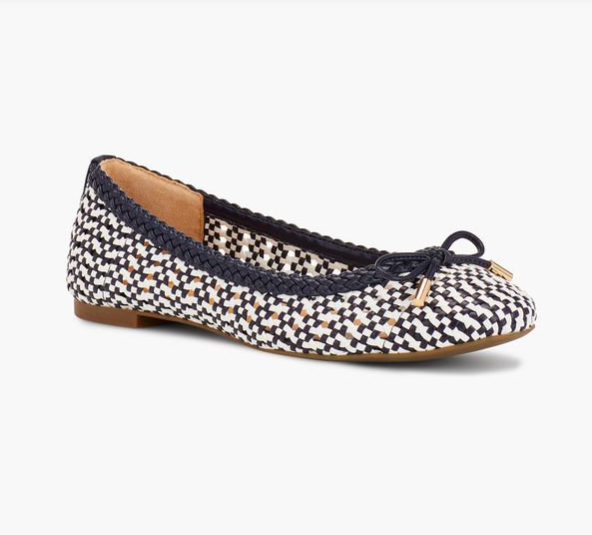 we're crushing hard on these  two-tone ballet flats !