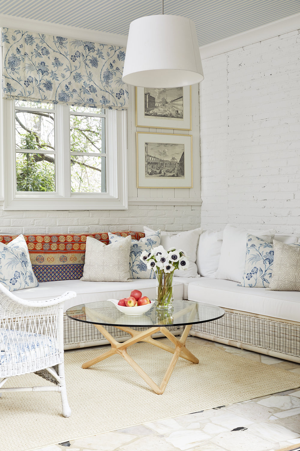 scenes from our sunroom! we adore this  outdoor sectional ! / photo: tec petaja