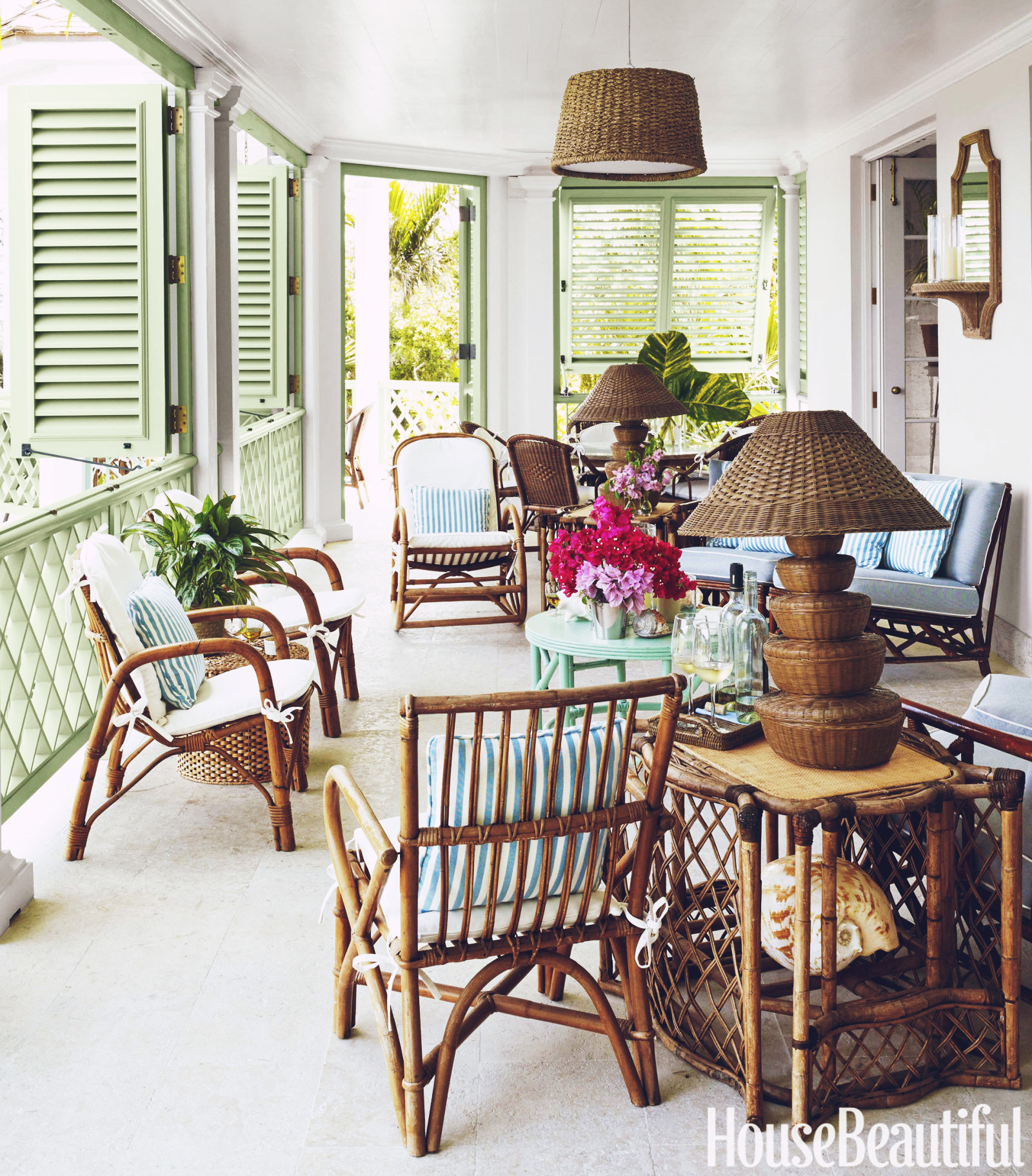 get the look with these  rattan armchairs !