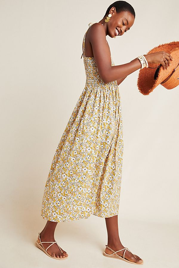 we adored the smocked bodice on this  floral maxi dress !