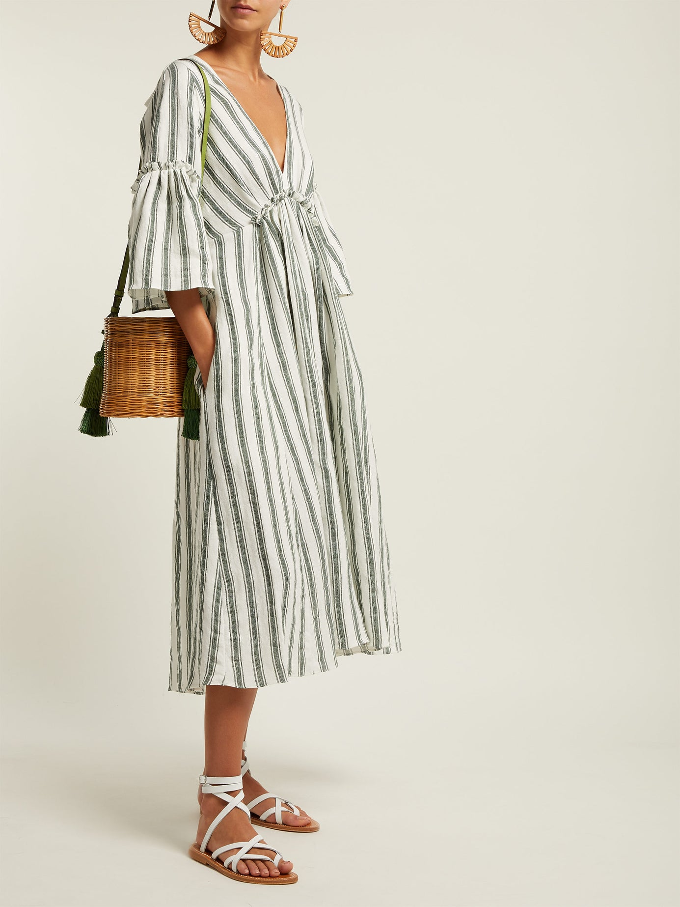 you know we're smitten for stripes… especially when it comes in a  breezy linen dress !