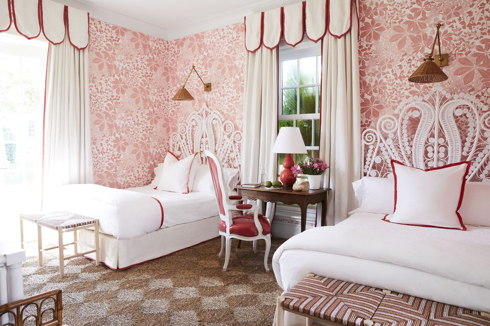 miles-redd-bedroom-bahamas-veranda-1561060471.jpg