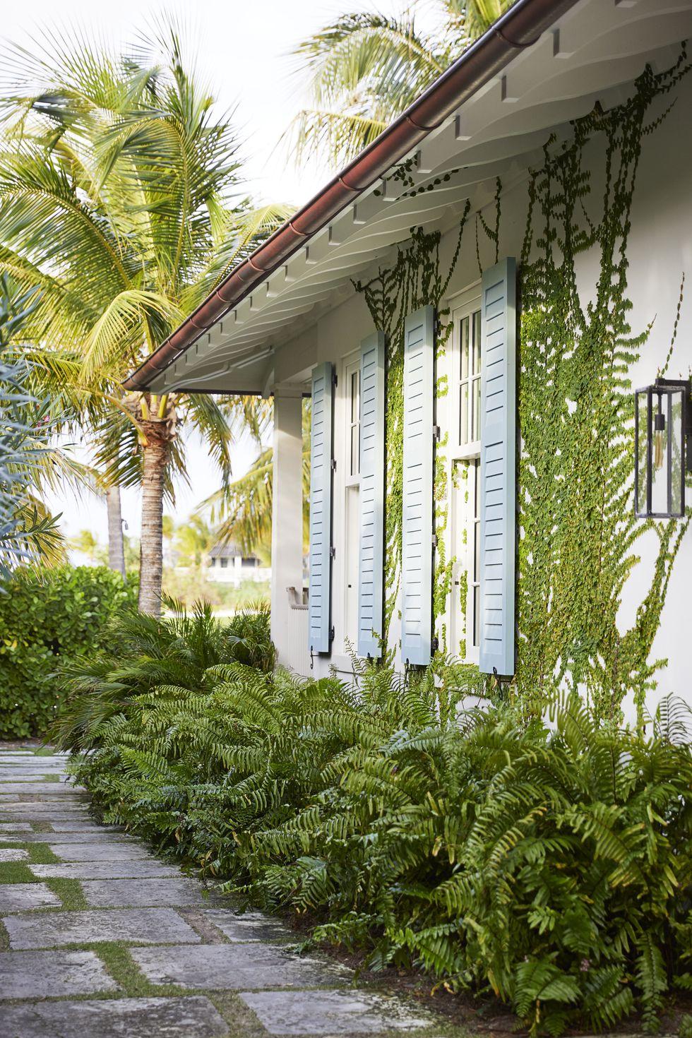 miles-redd-bahamas-exterior-veranda-1561060408.jpg