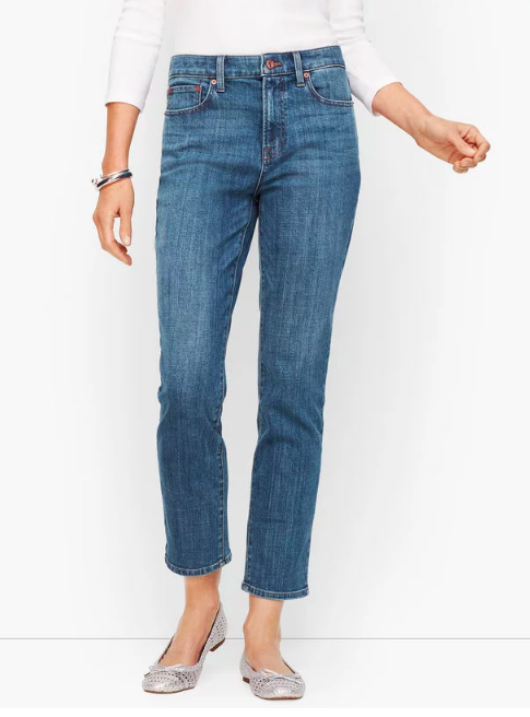 there's nothing we love more than a pair of  great fitting jeans ! they also come in a  dark wash