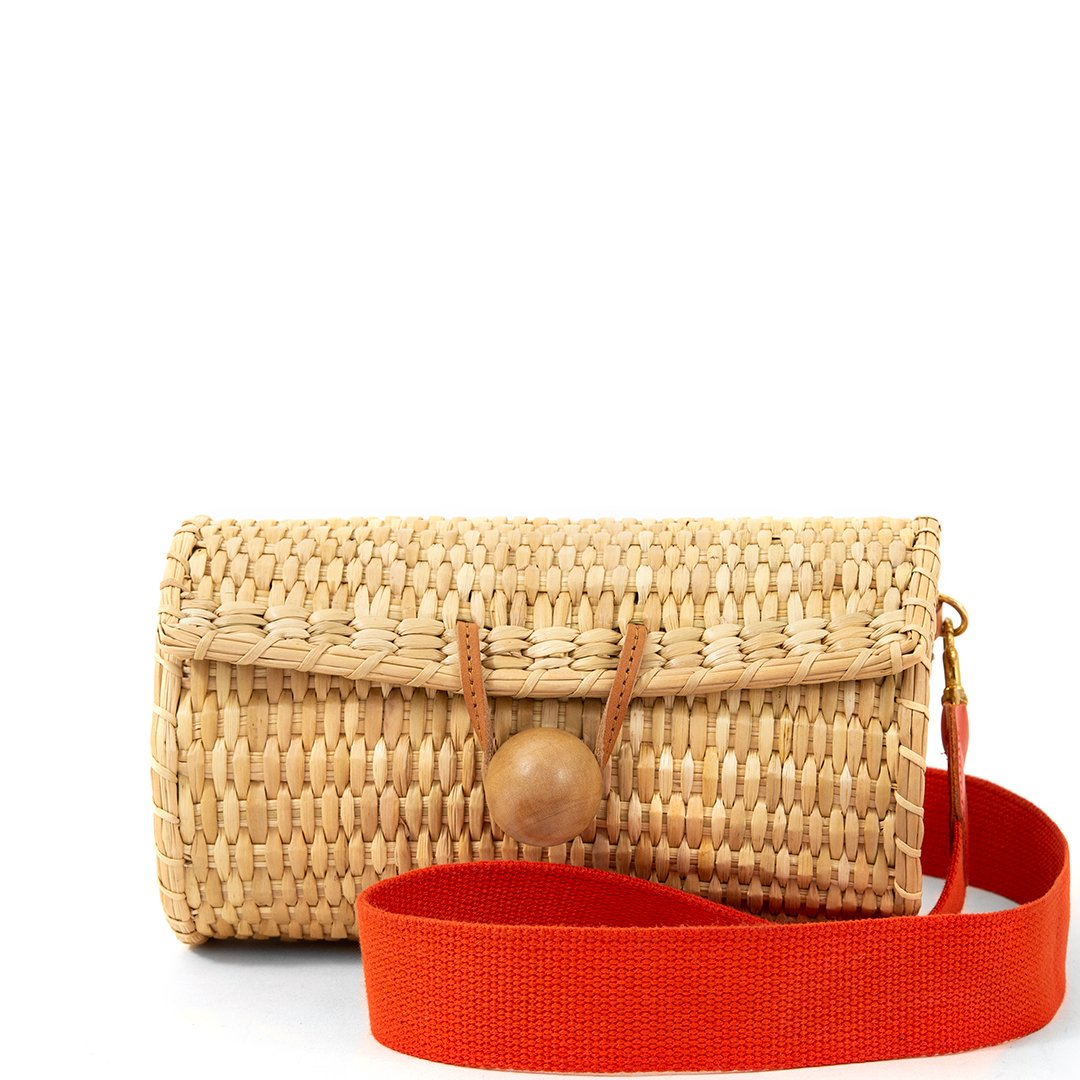 the perfect  transition bag  from summer to fall!