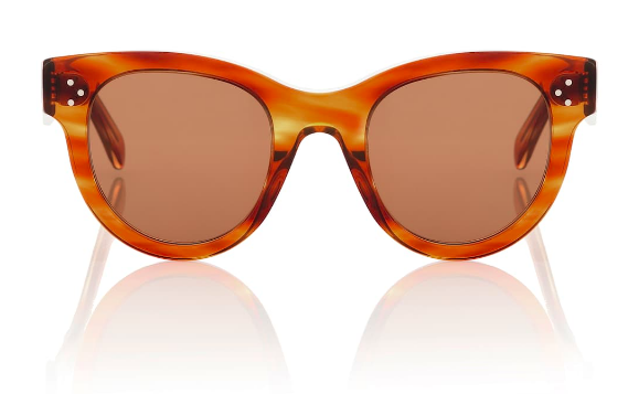 who doesn't love a chic pair of  cat-eye sunglasses ?!?!