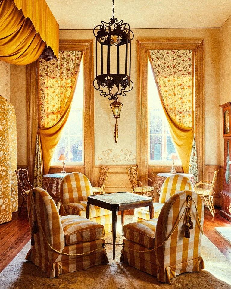 Hotel-Peter-&-Paul_2019_Hotel-Peter-&-Paul,-Rectory-Parlor_(Christian-Harder).jpg