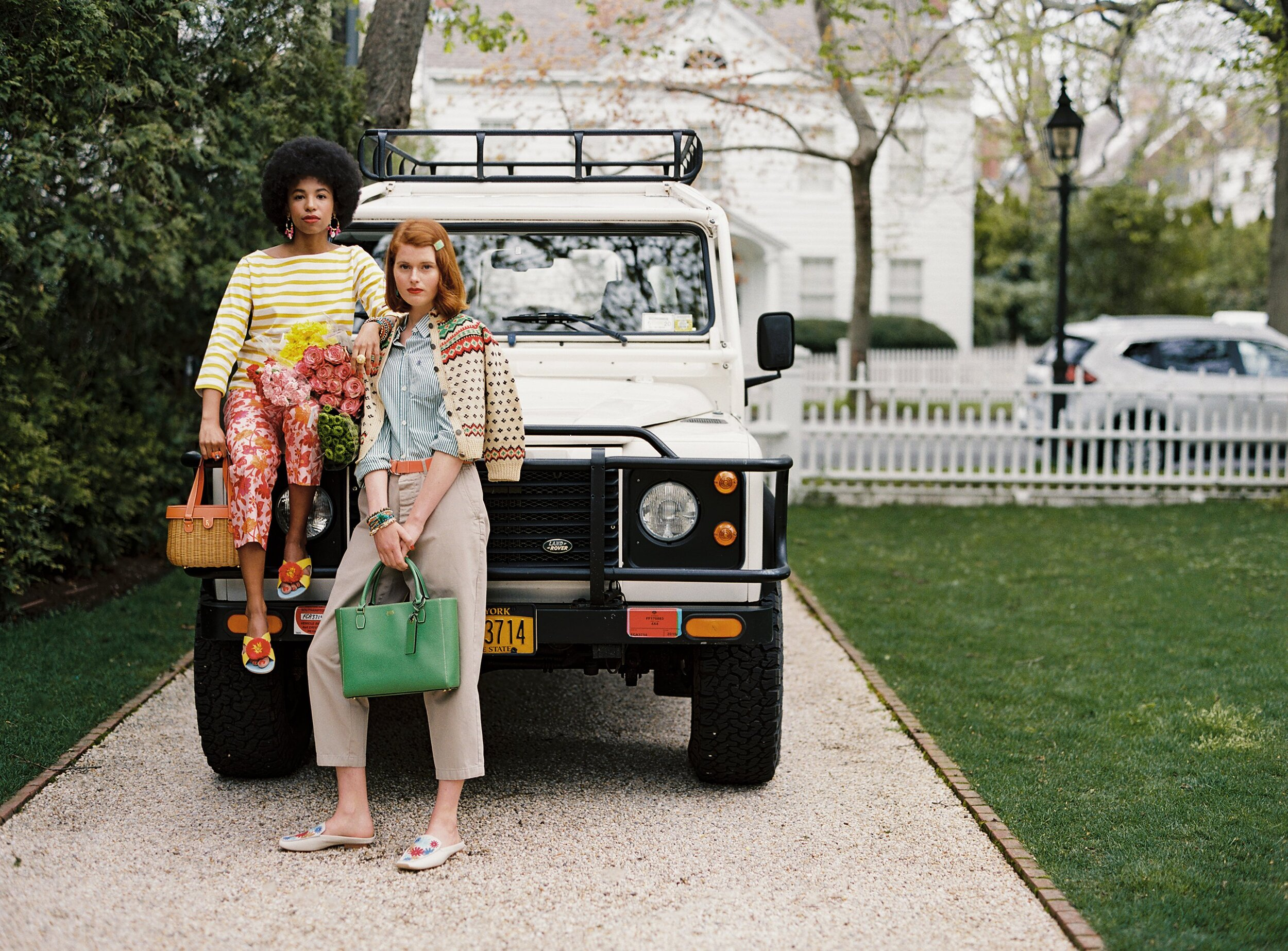 you know we can't resist a  chic outfit  and a vintage car!
