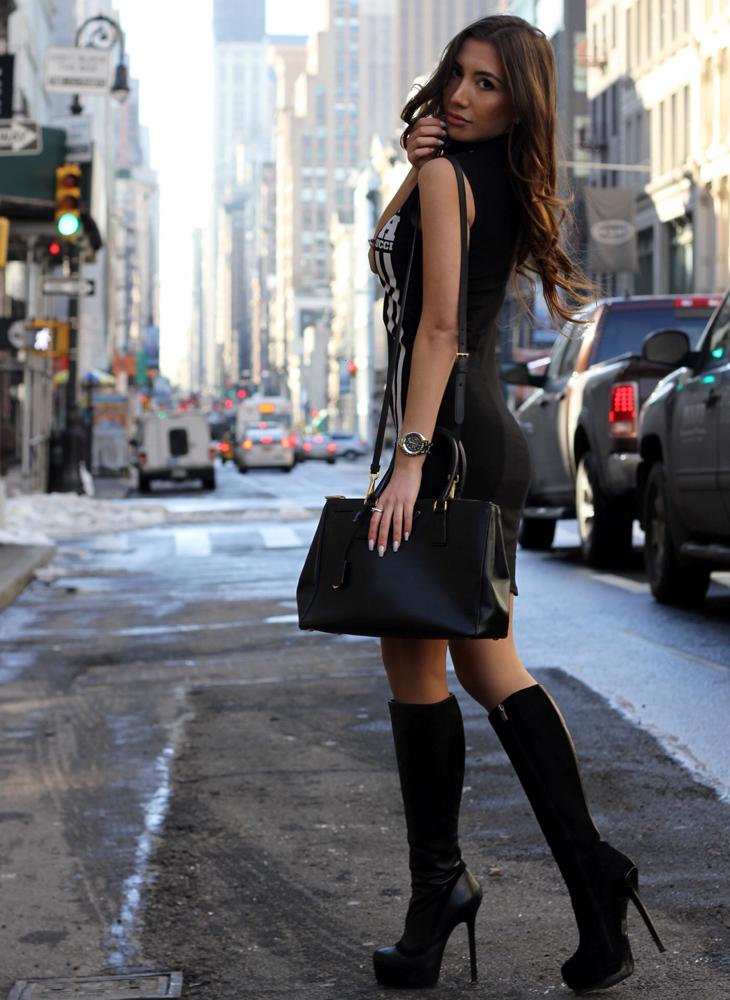 Hot blogger Ulia Ali in New York.