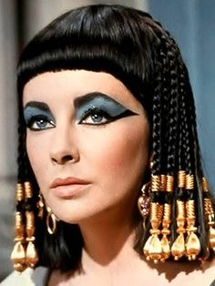 Cleopatra make up. Elizabeth Taylor